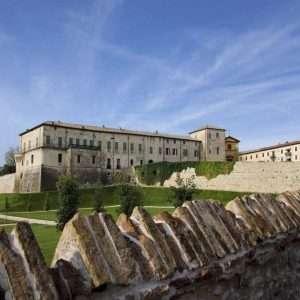 Rocca di Sanvitale between wine and Parmigiano Reggiano