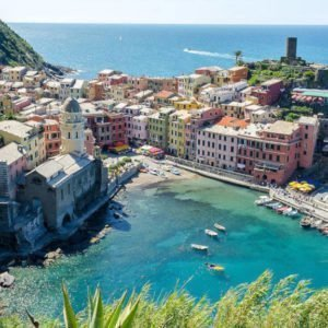 FROM THE LIGURIAN SEA TO ITS PARFUMED WHITE WINES4
